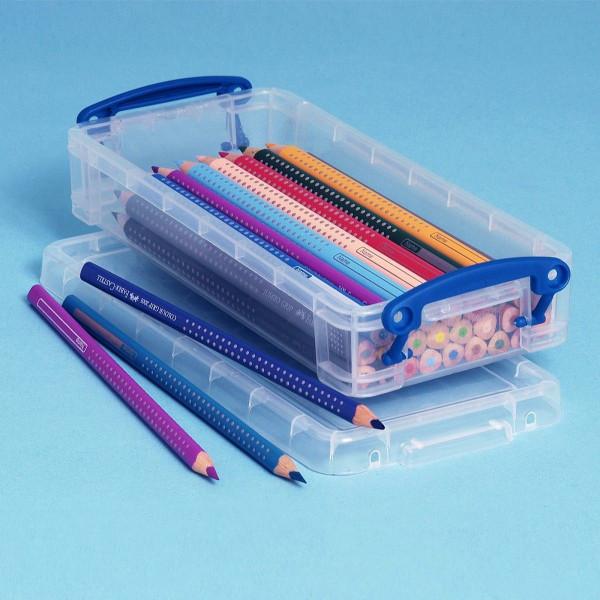 Kleine Kunststoffbox mit Buntstiften