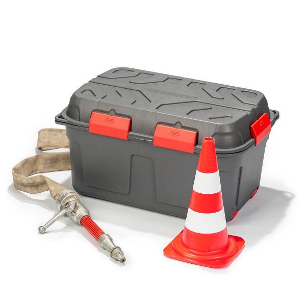Wasserdichte graue Transportbox aus Kunststoff mit Feuerwehrspritze und Leitkegel, Verkehrshütchen